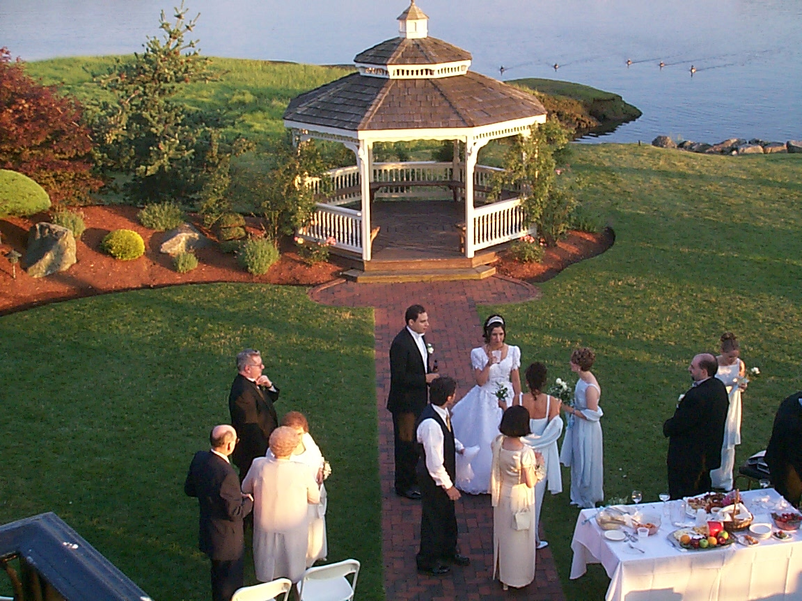 Gazebo with Bridal Party; Actual size=180 pixels wide
